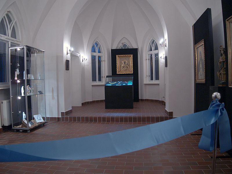 Ludowa Madonna w kaplicy